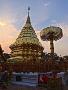 Sunset at Chedi Luang